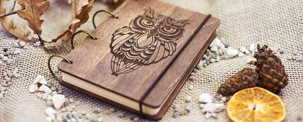 блокноты и ежедневники в деревянной обложке