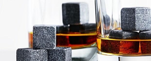 глобус-бар и камни для виски