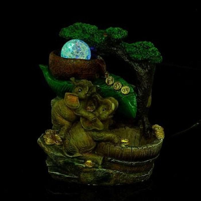 fontan-dekorativnij-dva-slona-u-deneznogo-vodopada-_1