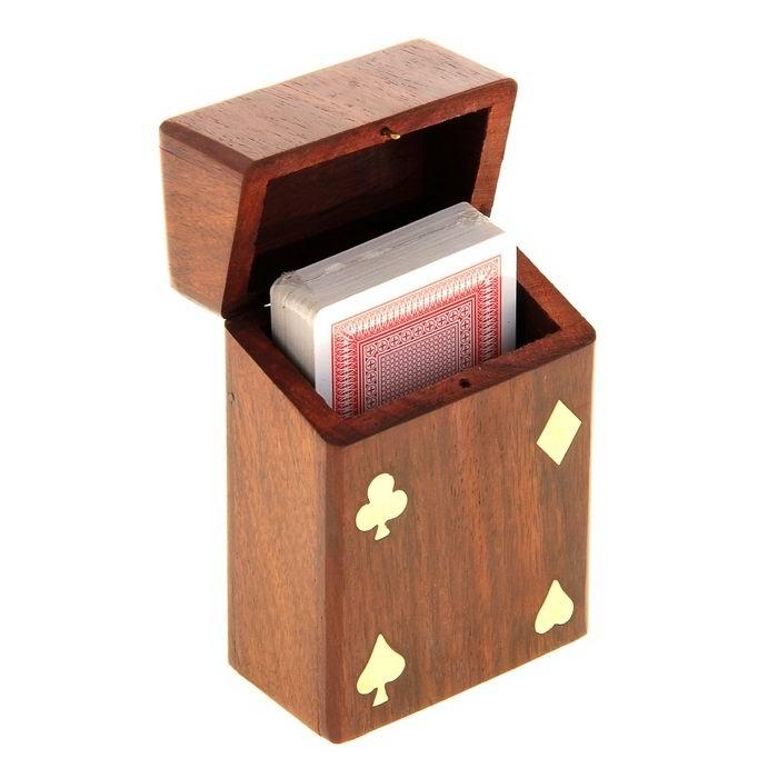 Игральные карты в деревянной шкатулке  купить