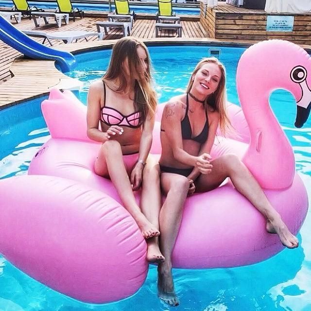 Надувной розовый Фламинго для плавания
