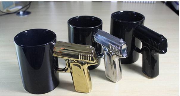 Чашка с ручкой пистолет