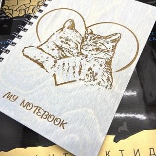 Блокнот в деревянной обложке «Влюбленные котики» + ручка Минск +375447651009
