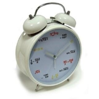 Часы-гигант Формулы на циферблате белые купить в Минске +375447651009