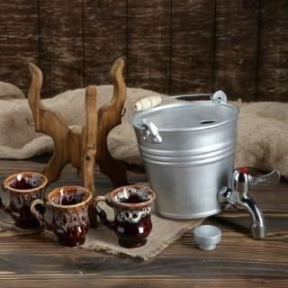 Диспенсер для напитков на деревянной подставке «Ведро» 1,7 л купить в Минске +375447651009