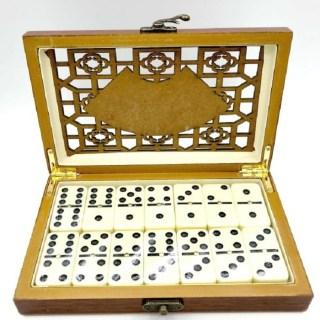 Игра «Домино» в деревянной коробке купить в Минске +375447651009