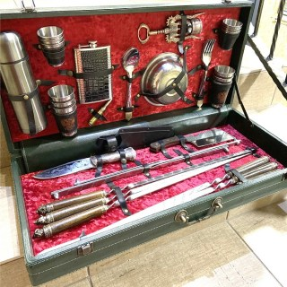 Набор для шашлыка в кожаном чемодане «PREMIUM» 44 предмета зеленыйНабор для шашлыка в кожаном чемодане «PREMIUM» 44 предмета зеленыйНабор для шашлыка в кожаном чемодане «PREMIUM» 44 предмета зеленый