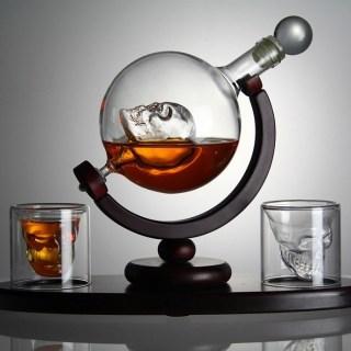 Набор графин- декантер «Череп в глобусе» на подставке с бокалами Минск +375447651009