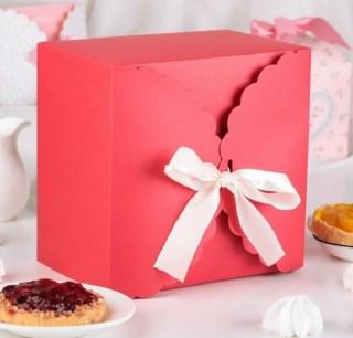 Подарочная коробка «Нежность» красная 14,5 х 9 х 14,5 см купить в Минске +375447651009