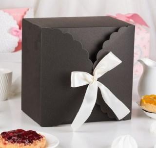 Подарочная коробка «Нежность» темная 14,5 х 9 х 14,5 см купить в Минске +375447651009