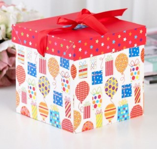 Подарочная коробка «Шарики,подарки» 15 х 15 х 15 см купить в Минске +375447651009