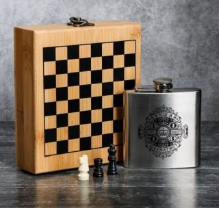 Подарочный набор с фляжкой и шахматами «Grand Master» купить в Минске +375447651009