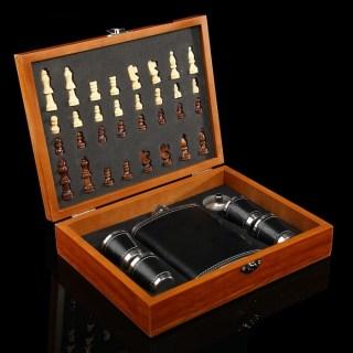 Подарочный набор с фляжкой и шахматами «Премиум» купить в Минске +375447651009