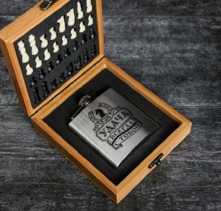Подарочный набор с фляжкой и шахматами «Удача» купить в Минске +375447651009