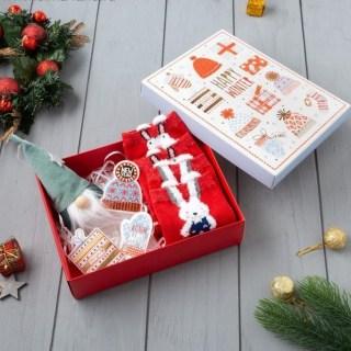 Подарочный набор «Счастливая Зима» 2 пары носков+елочные игрушки купить в Минске +375447651009