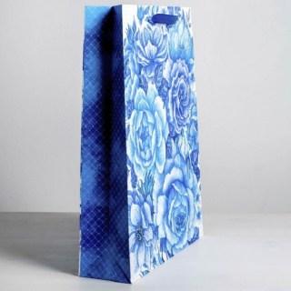 Подарочный пакет «Синие цветы» 40 × 31 × 9 см купить в Минске +375447651009