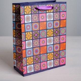 Подарочный пакет «Цветная мозаика» 31 × 40 × 9 см купить в Минске +375447651009