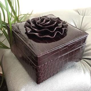 Шкатулка для украшений «Цветок» бордо купить в Минске +375447651009