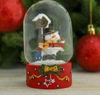 Снежный шар «Снеговик с подарком» купить в Минске +375447651009