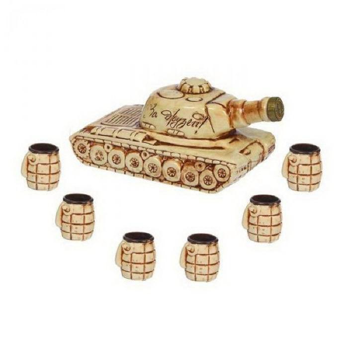 Набор-штоф «Танк» с рюмками 1 л. купить в Минске +375447651009