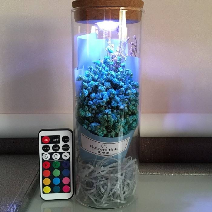 Цветы в стеклянной колбе с подсветкой «Гипсофила метельчатая» синие купить